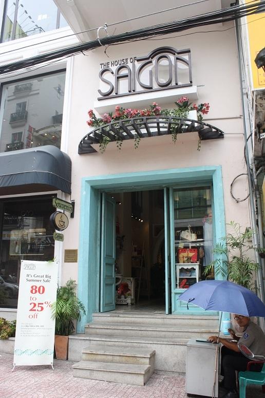 「THE HOUSE OF SAIGON」の入口
