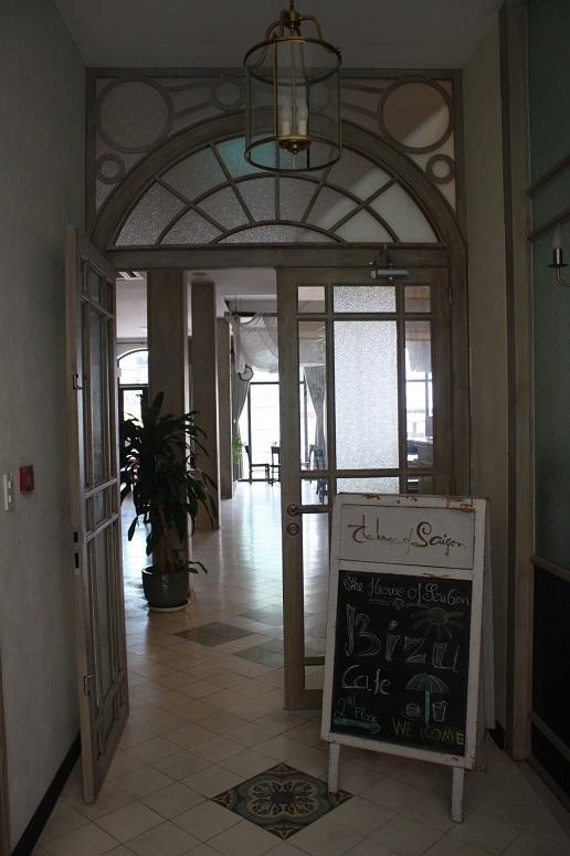 「THE HOUSE OF SAIGON」3階のカフェの入口