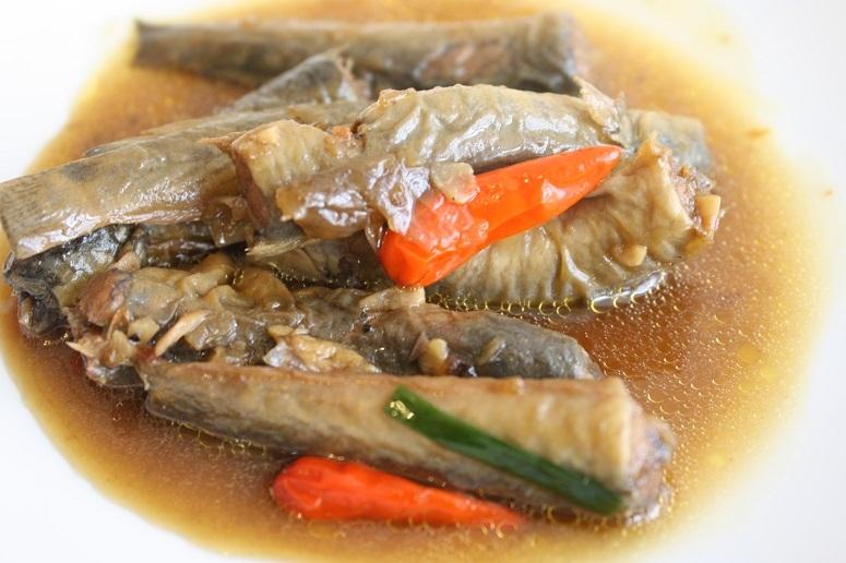小魚のヌックマム煮