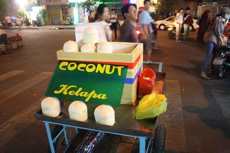 ココナッツジュースの屋台