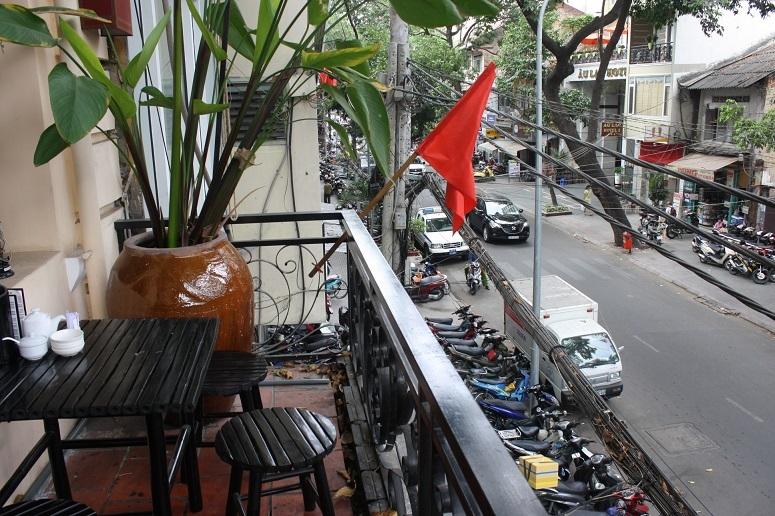 2階席から見るホートゥンマウ通り