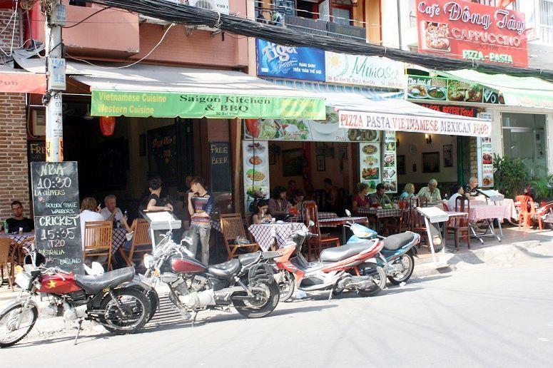 ブイビエン通りのレストラン