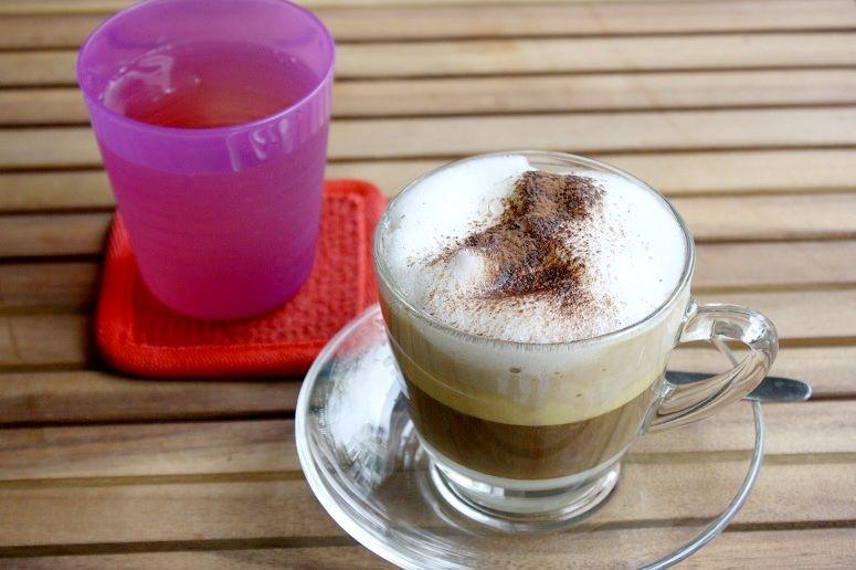 ふわふわの泡がおいしいエッグコーヒー