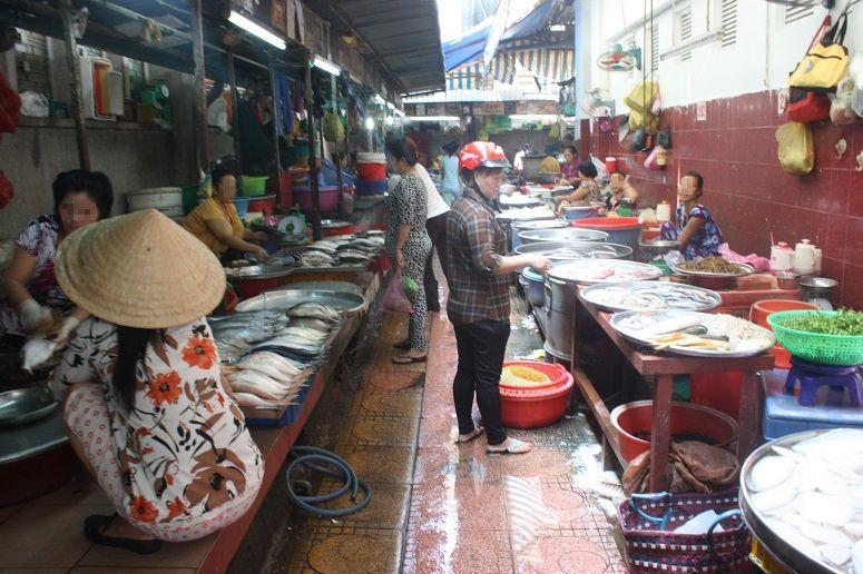 ソンチウ市場の魚売り場