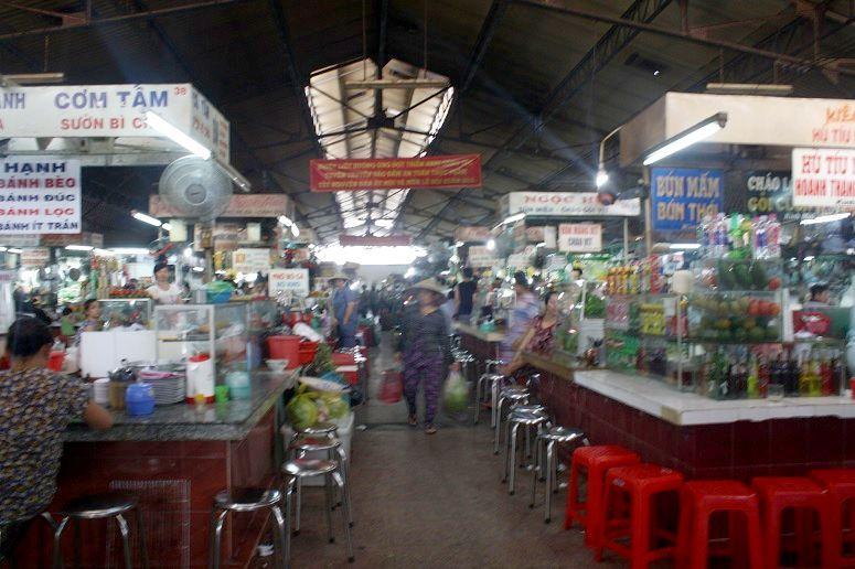 ソンチウ市場の食堂街
