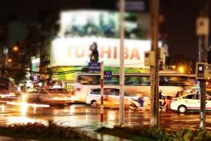 夜のニューワールドホテル前のロータリー