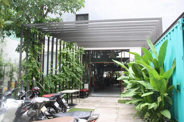 「KOKOïS」の入口