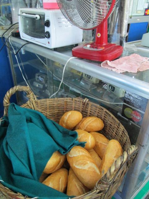 フランスパン(banh mi khong)