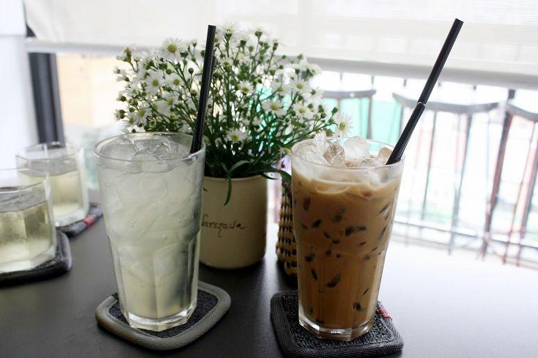 ベトナムコーヒーとレモネード