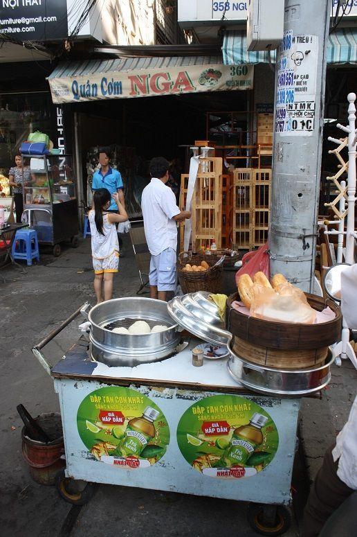 Banh Mi Xiu Mai Khoの屋台