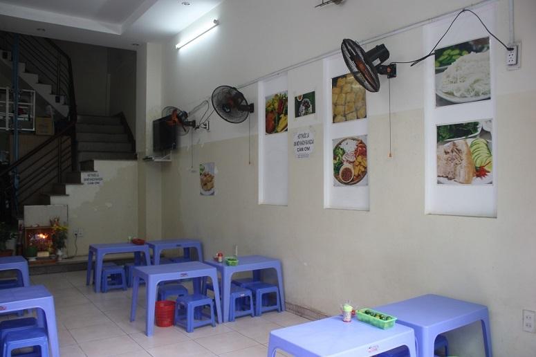 「Bun Dau CO KHAN」の店内