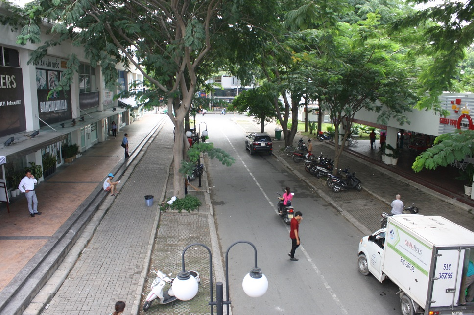 sky garden2と3の間の道路