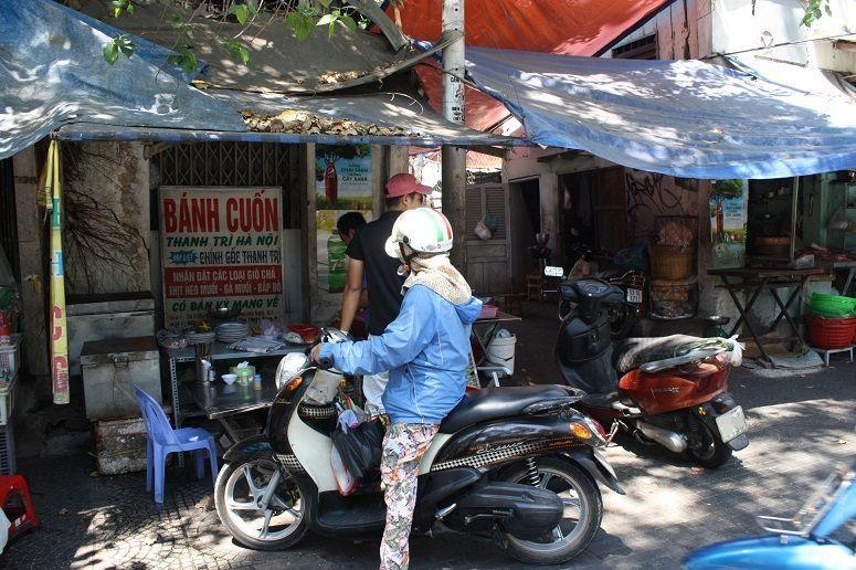 チューマンチン通りの青空市場