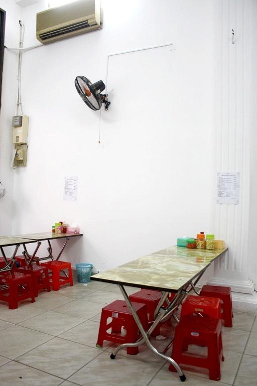 「BUN CHA HA NOI 26」の店内