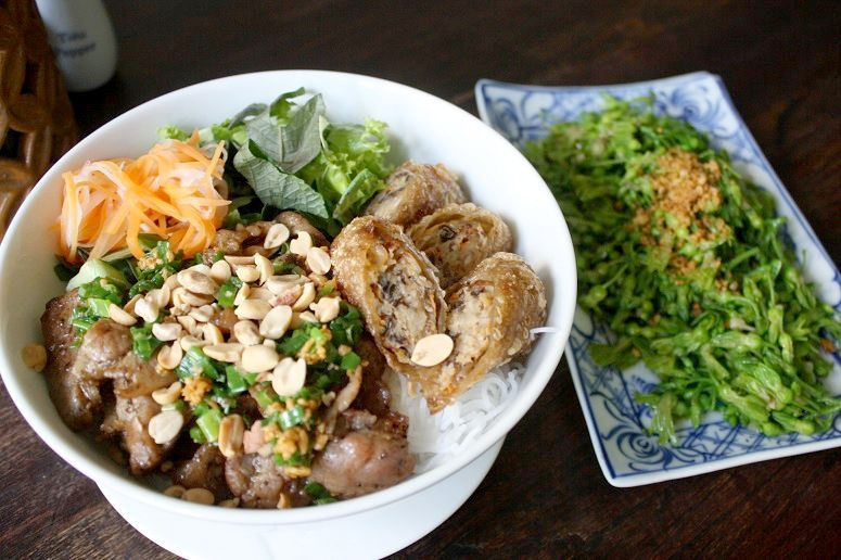 Rice noodles with pork and fried rolls & Stir-fried vegetables with garlic