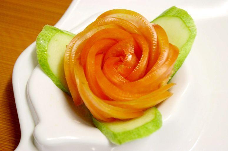 飾り切りのバラ