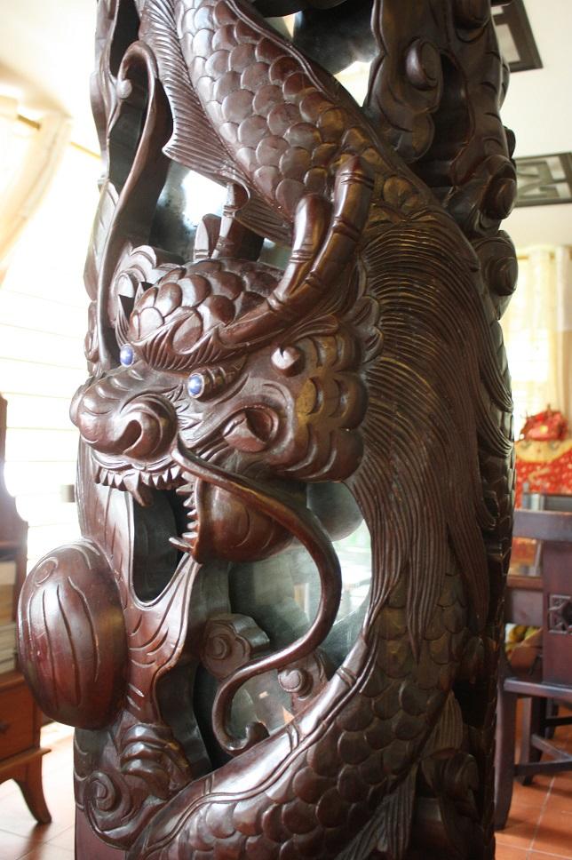 木彫りの龍