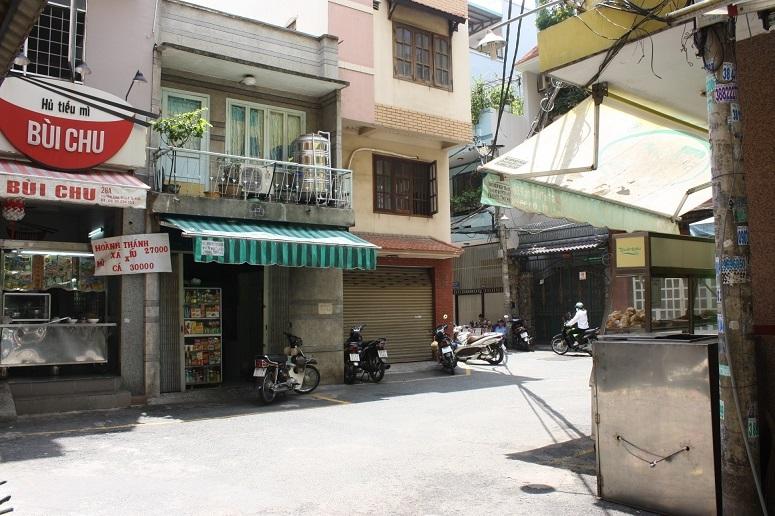 トンタットトゥン通りの路地