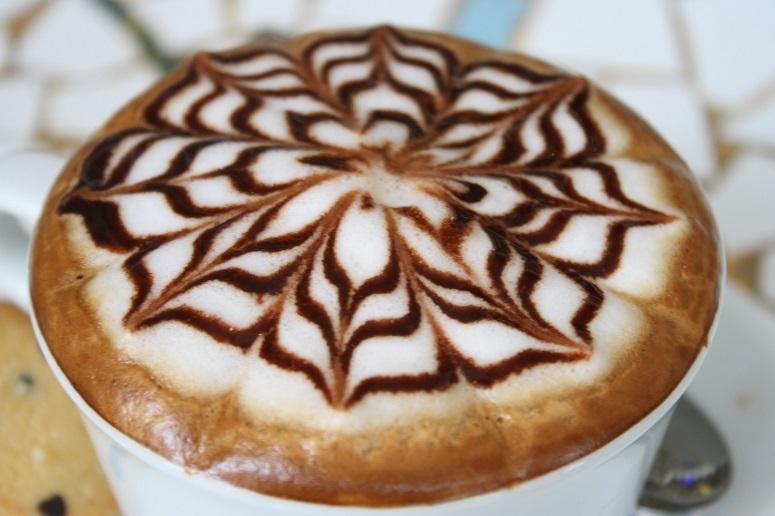 「CAFFE Molinari」のラテアート