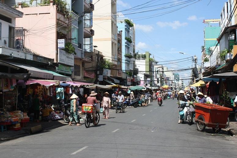コーヤン通りの青空市場
