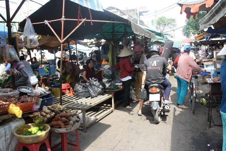 ハートンクエン通りの青空市場