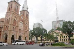 サイゴン大教会と中央郵便局