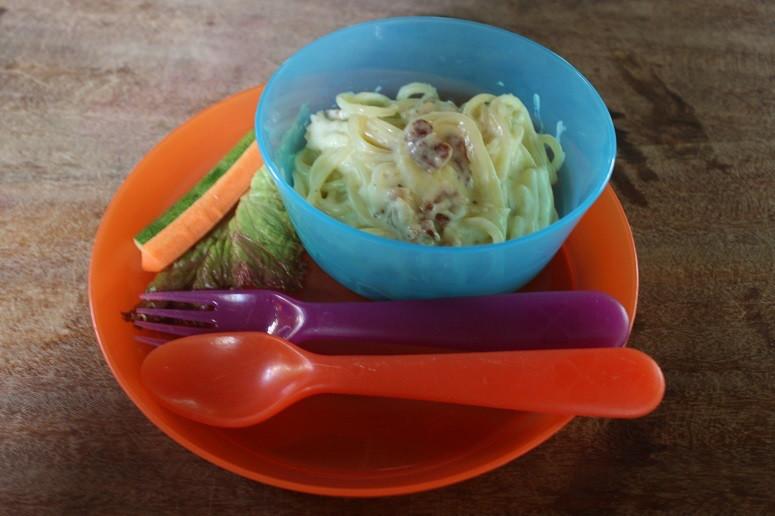 Kid's bowl of pasta(carbonara)