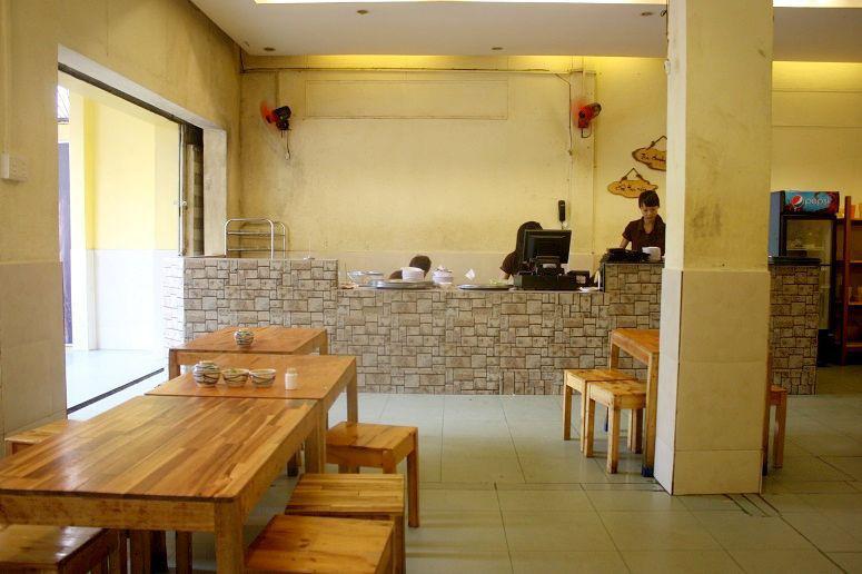「Bun dau A Vung」の店内