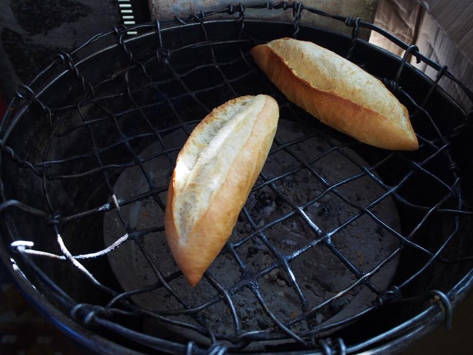 ホイアンのフランスパン