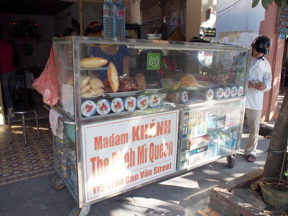 「Banh Mi Madam Khanh」の屋台