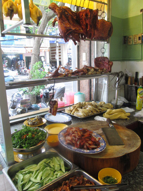 TIEM COM GA HAI NAMの調理スペース