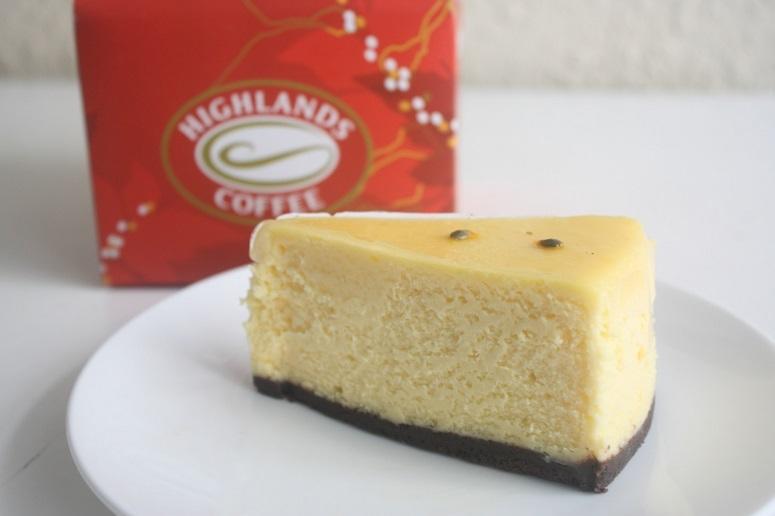 ハイランズコーヒーのパッションフルーツチーズケーキ
