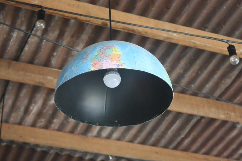 地球儀ランプ