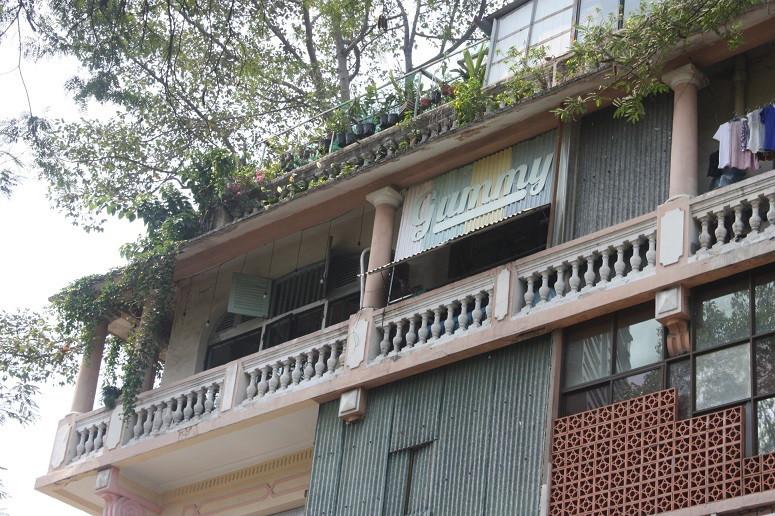 グエンチュンチュック通り×レロイ通りの古いアパート