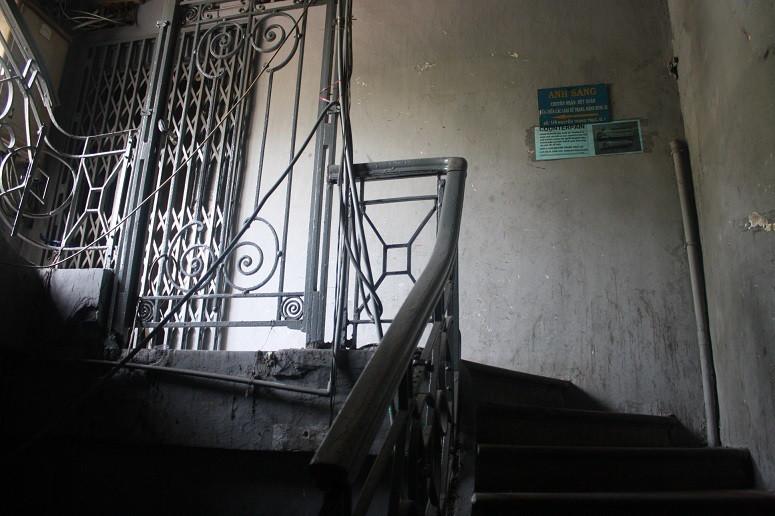 グエンチュンチュック通り×レロイ通りの古いアパート内部
