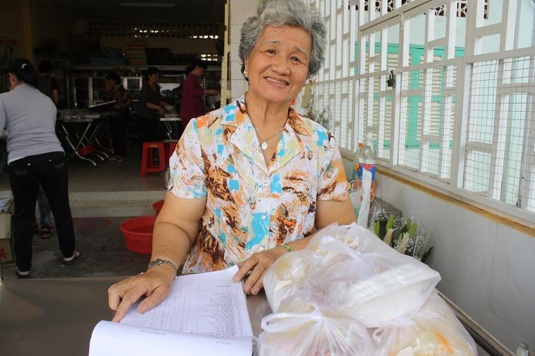 ボランティアのベトナム人女性