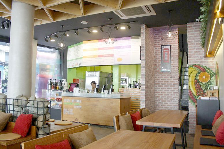 Hurom Juice Cafeの店内