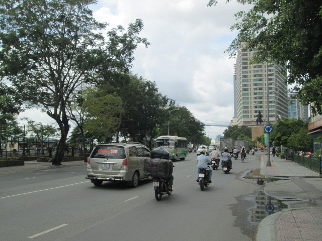 トンドゥックタン通り