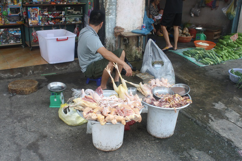 タンミー市場の場外