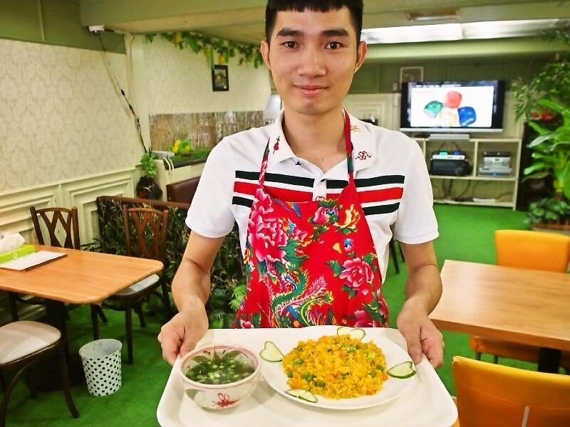 カラオケもあるベトナム料理店「HUONG VIET(フォンヴィエット)」