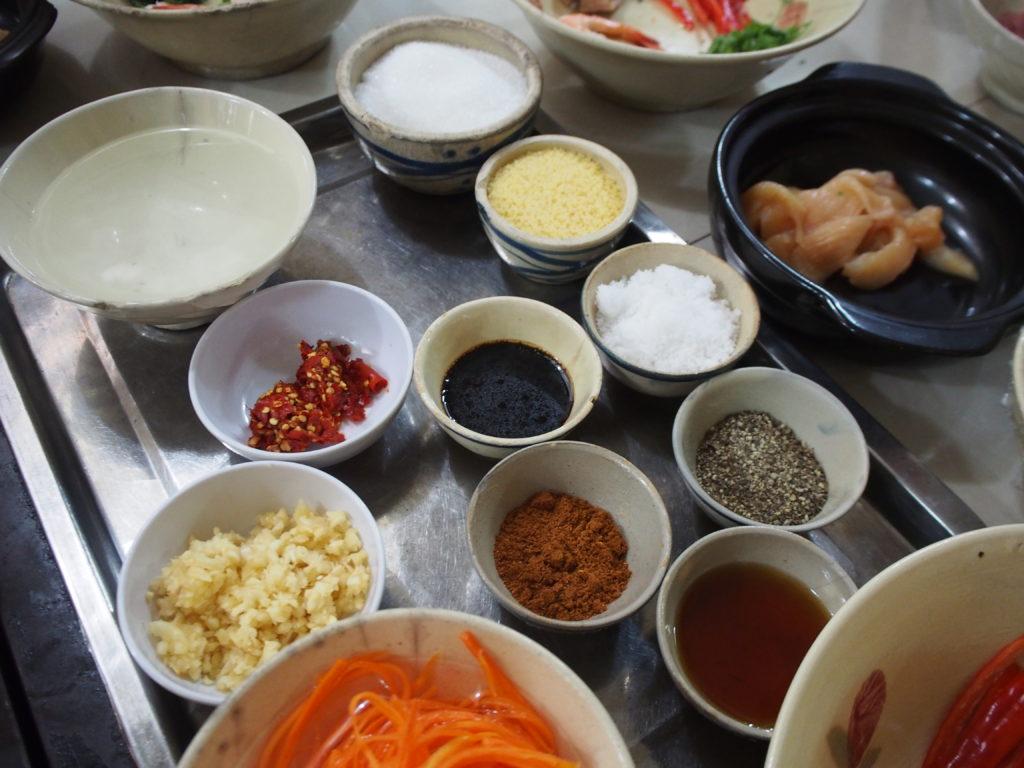 ベトナム料理教室「Mai Home cooking class」②〜青マンゴーのサラダ&鶏肉の生姜煮編〜
