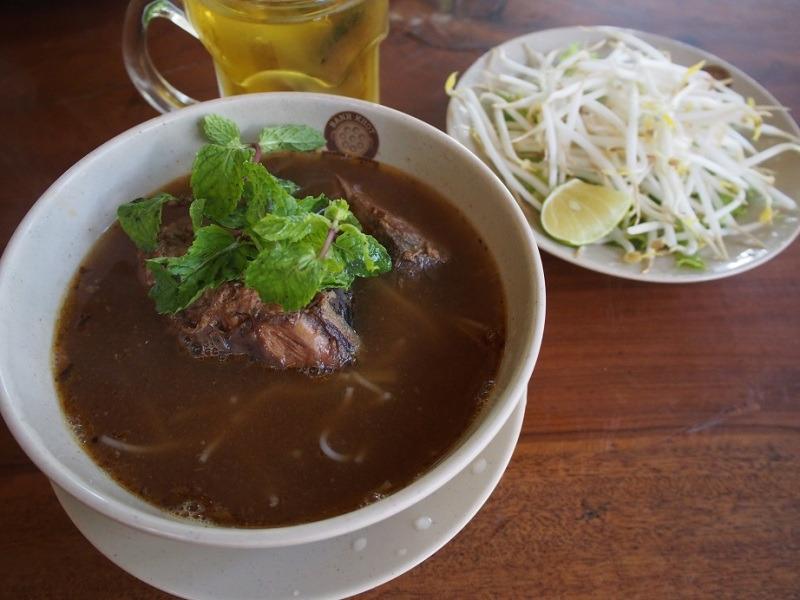BUN CA NGU(マグロの煮つけ入り米麺)