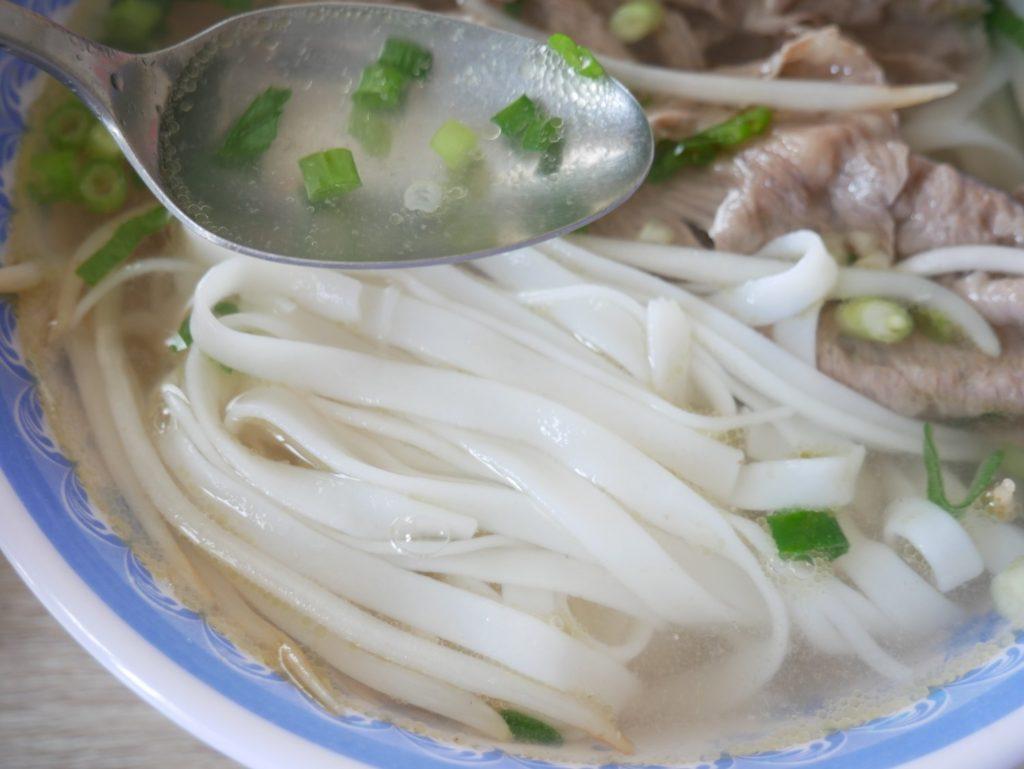 外出自粛中にお家で楽しむ!スープの素を使った簡単フォー