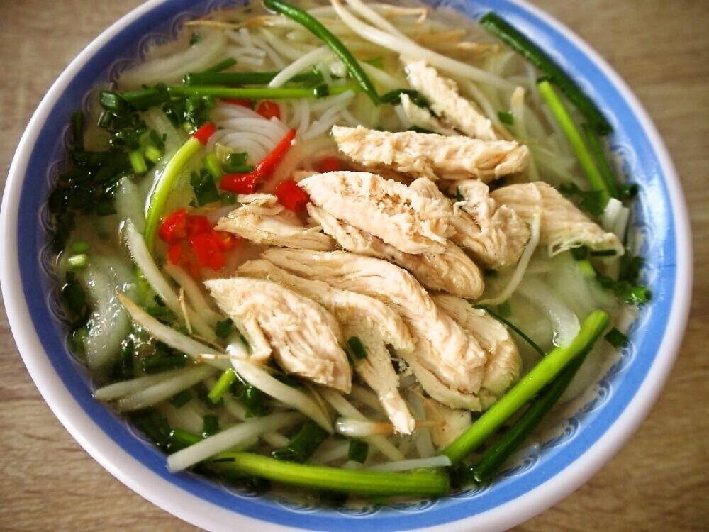 スープの素を使って☆ブンガー(鶏スープ米麺)を作ろう♪