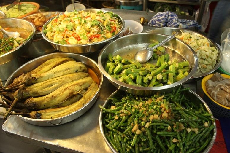 """メニューに迷ったらコレ☆現地のベトナム料理店で食べたい""""焼きなすのネギ油がけ"""""""